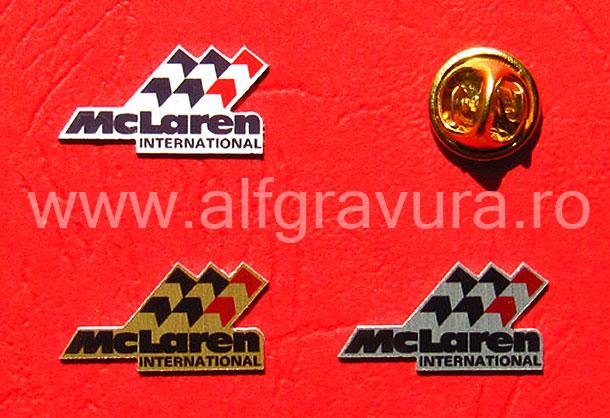 Insigne cu pin metalic