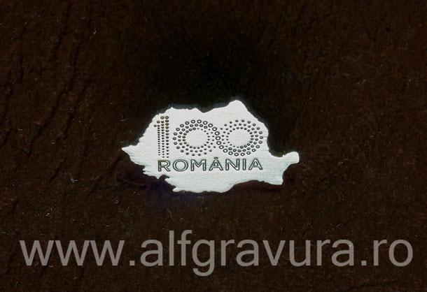 Insigna harta 100 Romania nichelata