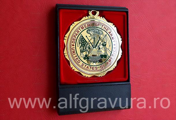 Medalii in cutii plastic cu capac transparent
