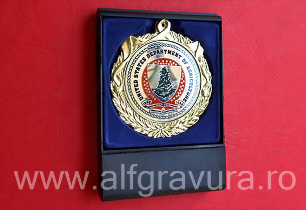 Medalie in caseta capac transparent