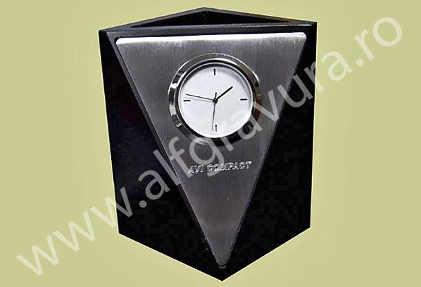 Gravare ceas de birou