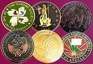 Medalii gravate alama
